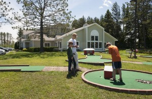family activities mini golf recreation country inn two harbors