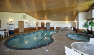 Country Inn Two Harbors pool and sauna room