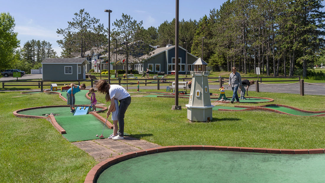 Playing mini golf at Country Inn Two Harbors in Minnesota